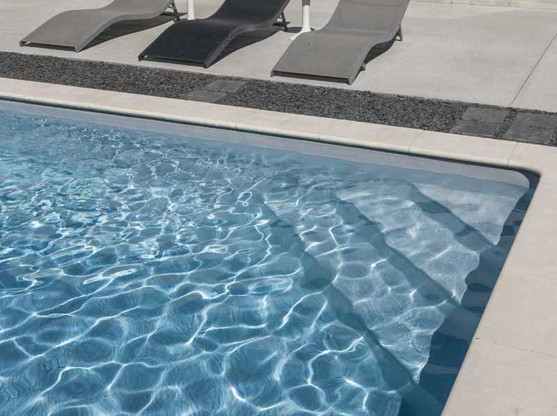 Escaliers pury piscine construction de piscines r gion for Piscine yverdon