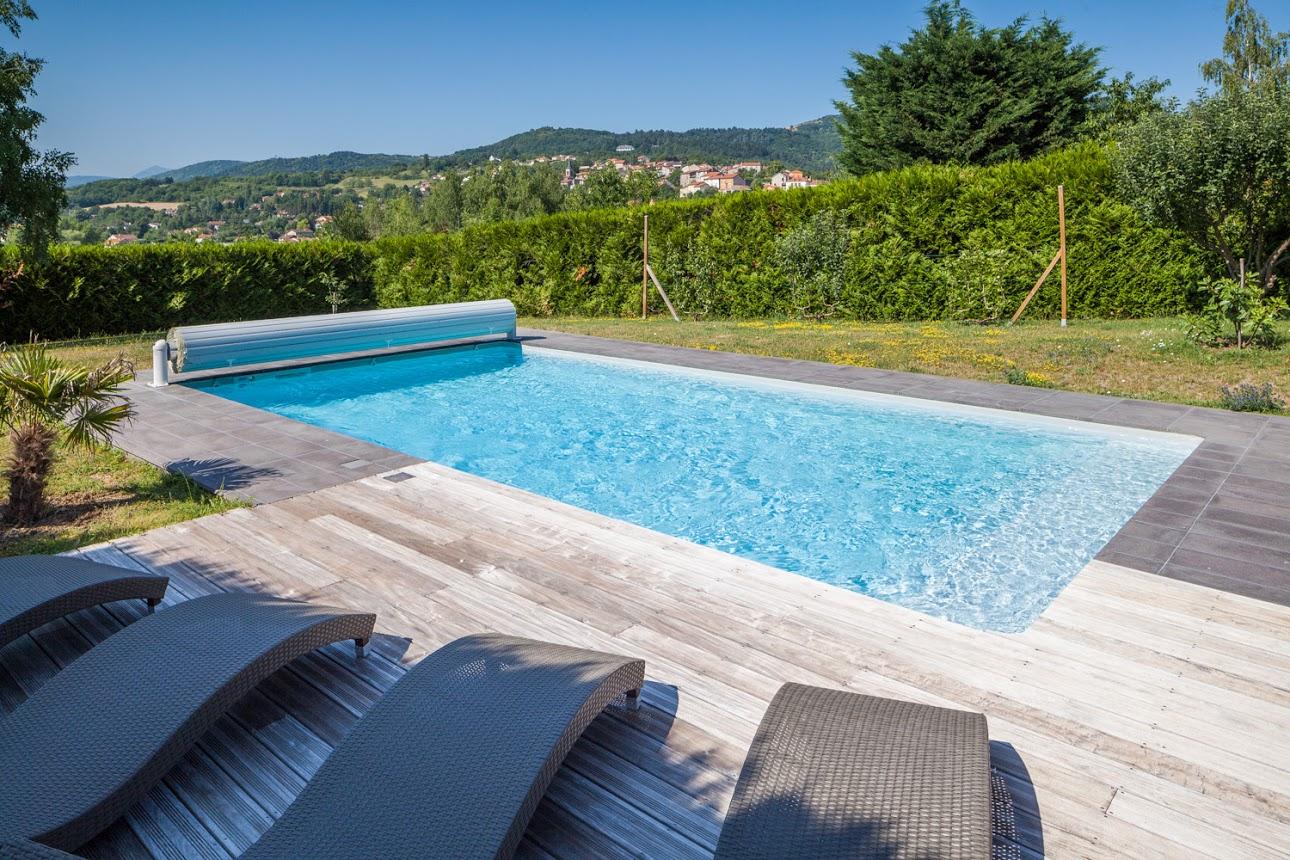Galerie photo pury piscine for Accessoire piscine magiline